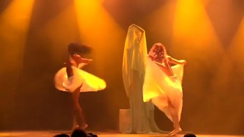 Celebrity Content - Naked On Stage - Page 16 M97wmb94btnn