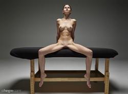 Leona Mia       03/28/16  Leona - Naked Massage