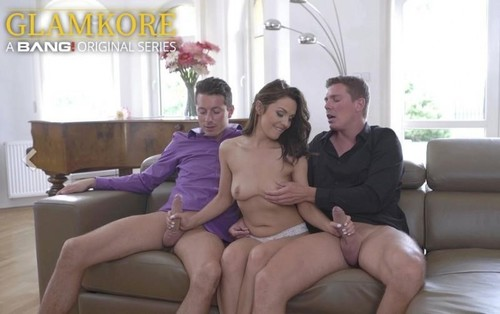 Dominica Phoenix - Dominica Phoenix Cums Hard During A Double Penetration Threesome (2019/HD) BangGlamkore