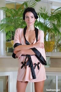 Sapphira - Silk Pink Kimono Rober6x20c3dmv.jpg