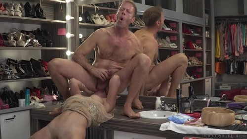 Boss Bitch Elen Dominates Anal 3Way [HD]