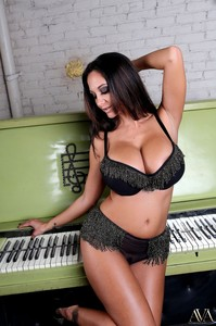 Ava Adams Ava Addams - Play Me A Tune