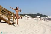 Clover - Playa de Cavaletteo7b0r4fxtl.jpg