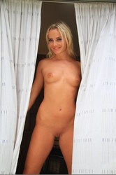Emma Button set 3 - 39 pictures - 5184pxg7c3bjke6o.jpg