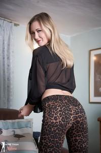 Sammi Tye M0re Th@n Nyl0ns - Leopard
