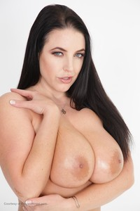 New! 08/22/19    Angela White - Busty Housewives