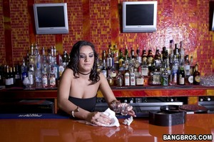 Charley Chase - Bartender That Squirts