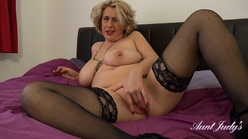 Camilla C - Auntie Camilla Bedroom Pov [FullHD/1080p]