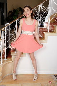 Lily Luvs Name: Young and Hairy     Images: 154