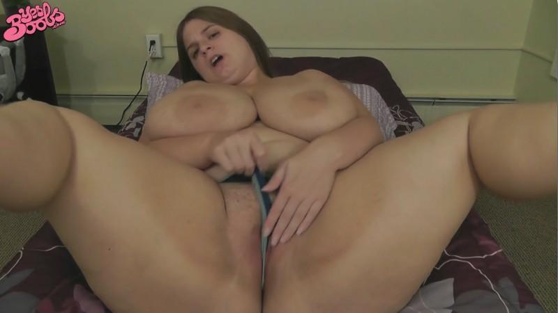 Sarah Rae - Making myself cum twice with my vibrating wand