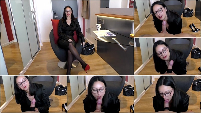 CassieClarke - Boss With The Leather Skirt Licks You [FullHD 1080P]
