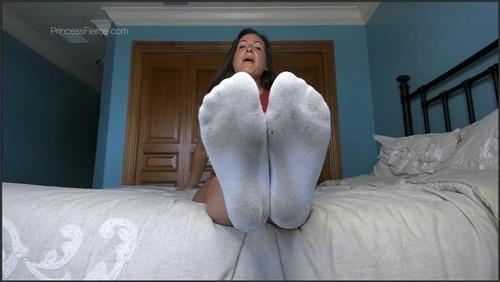 Lick & Pay Foot Domination - Princess Fierce  - iwantclips
